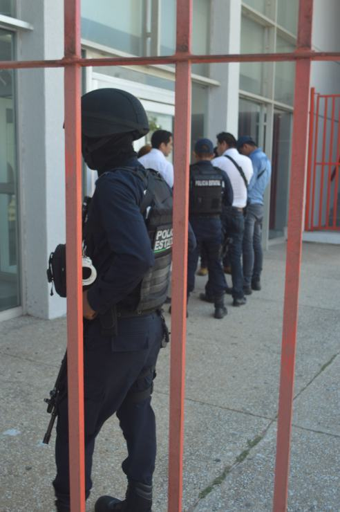 POLICIA BANCO