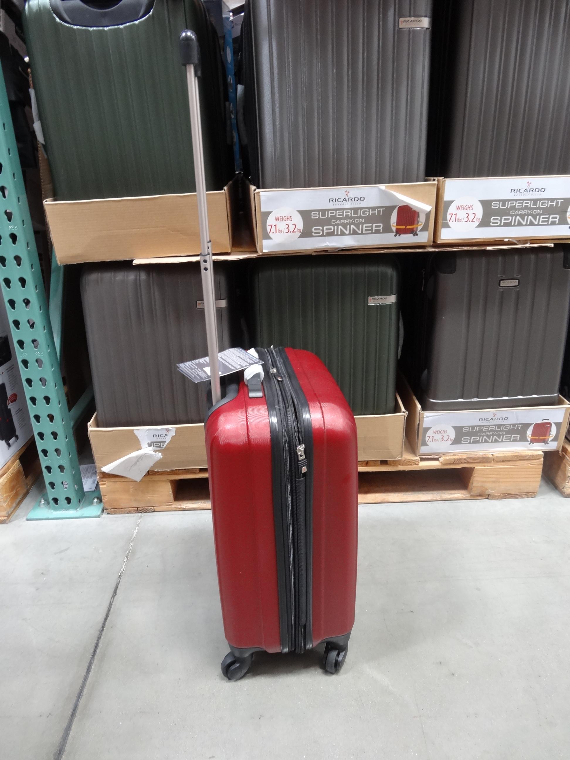 Ricardo 20 Superlight Carryon Spinner Luggage