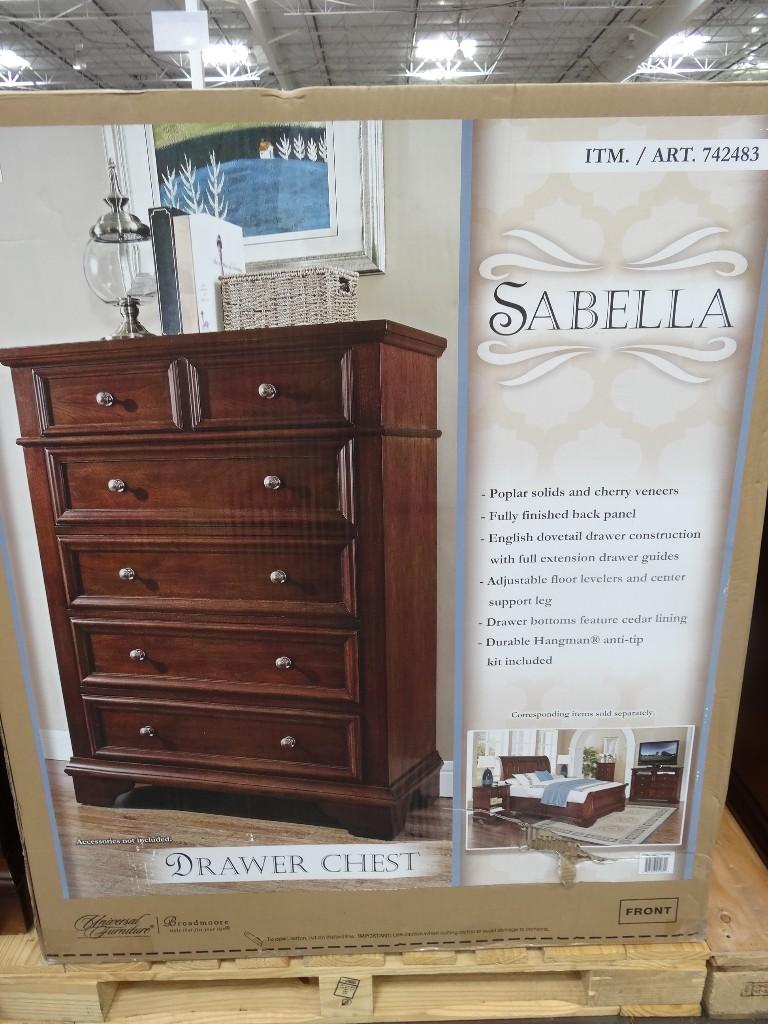 Dresser And Chest Set