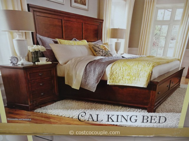 Universal Furniture Lulea Cove CalKing Bed