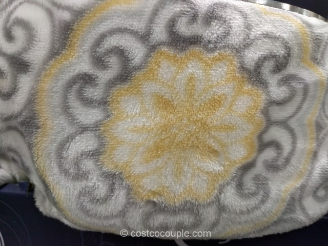 Life Comfort Super Luxurious Plush Throw