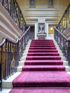 Merveilleux Carpet On Stairs