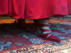 Outlander - Chaussures rouges (1)