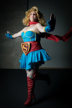 Cosplayer: @memelemeow Character: Supergirl From: DC Bombshells Photographer: @cosweplayproject