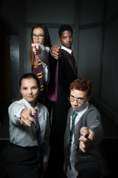 Cosplayers: tara_g200, chris_king_hearts, zaneisopxp From: Harry Potter Photographer: @cosweplayproject