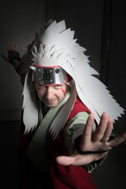 Cosplayer: @Griffin-Wolf Cosplay Character: Jiraiya From: Naruto Photographer: @cosweplayproject