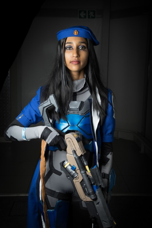 Cosplayer: @blacklilycosplay Character: Ana From: Overwatch Photographer: @cosweplayproject