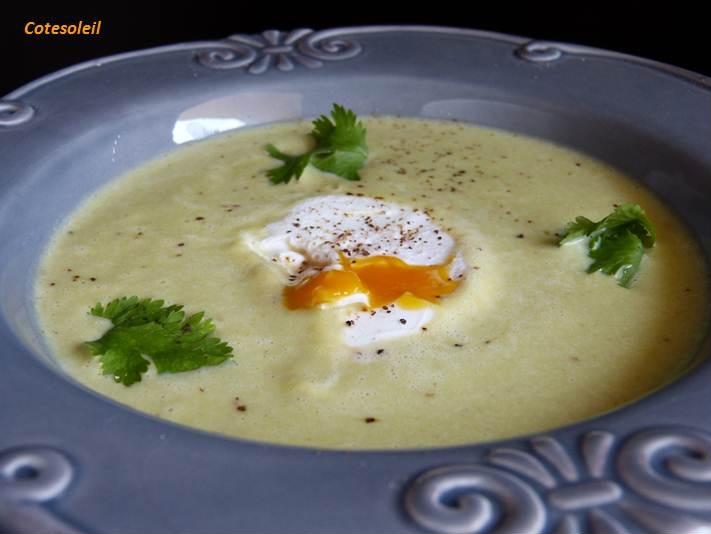 Veloute d 39 asperges vertes son oeuf mollet c t soleils - Cuisiner les asperges vertes ...