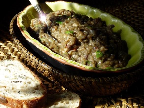 Caviar d'aubergine aux champignons
