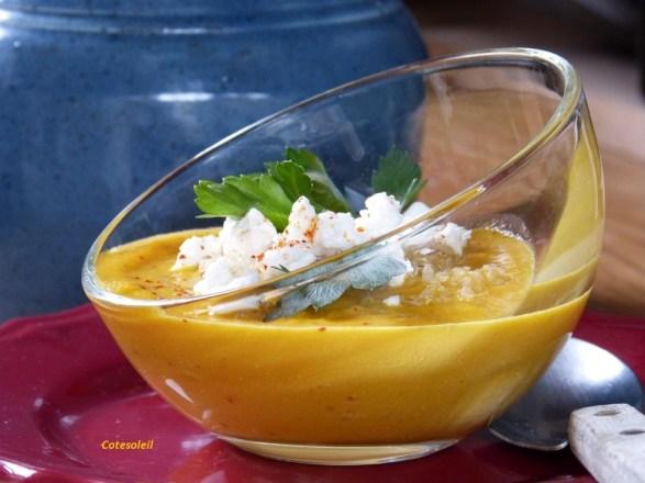 Velouté de carottes au quinoa & feta