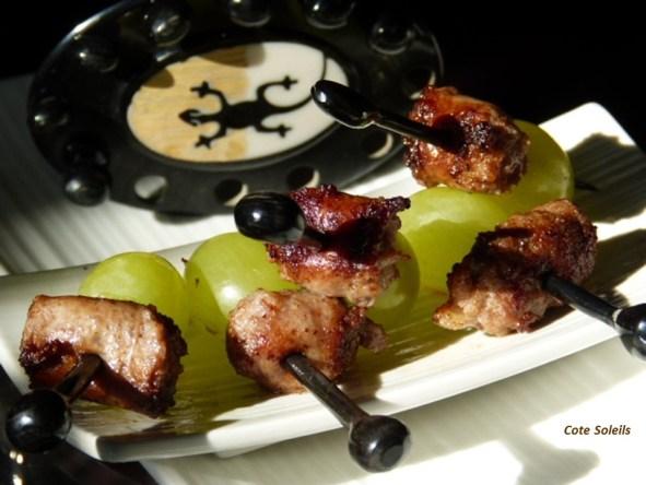 Brochettes Chipolata raisins