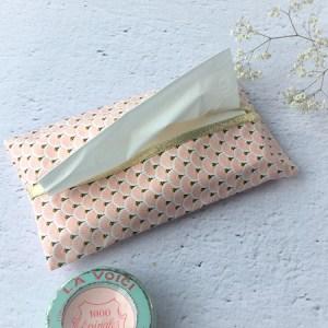 Pochette mouchoirs rose