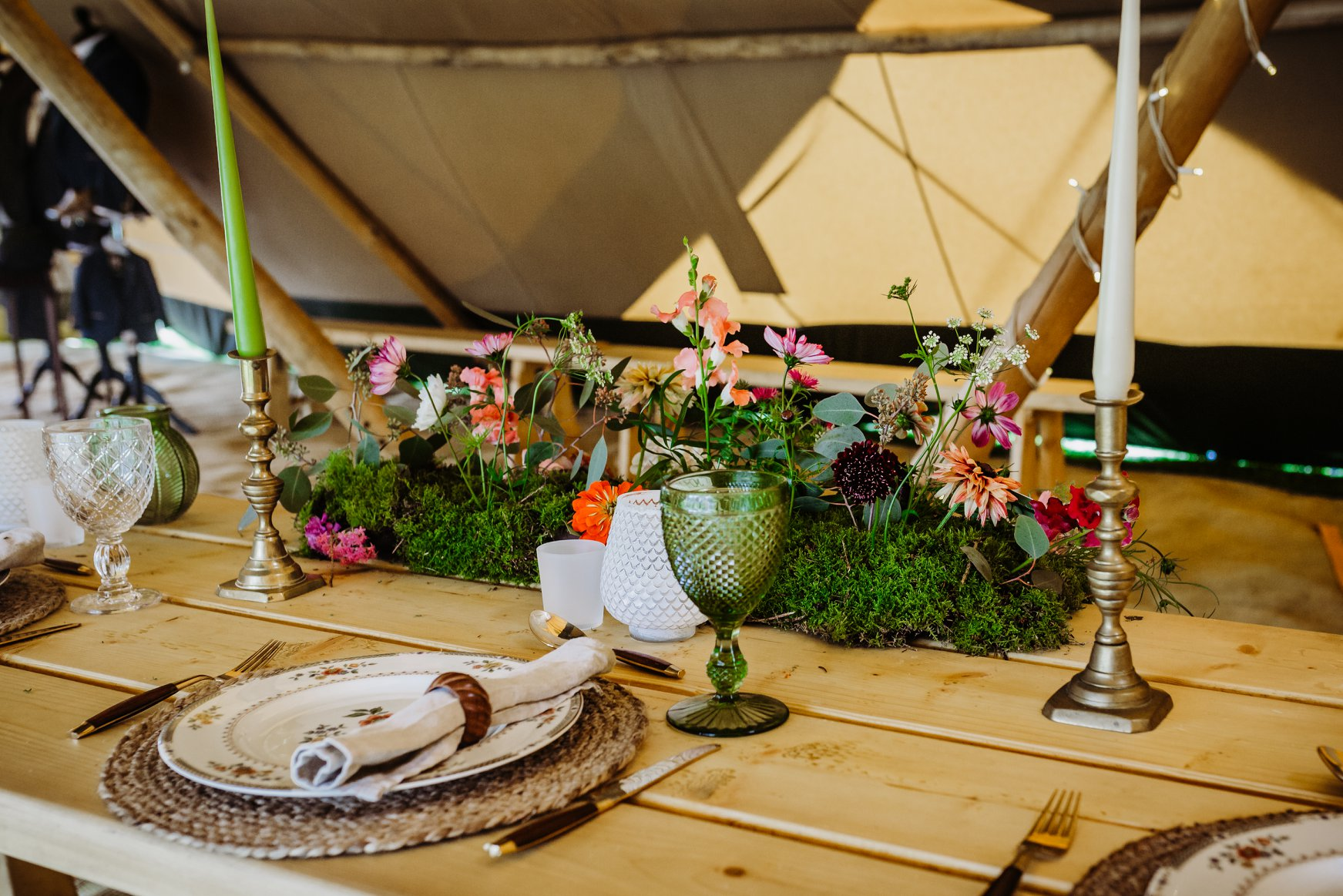 Wild flower garden centre piece by The Lily Pad Florist, grown by Pancake Hill Flowers, with charming rustic place setting