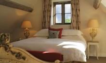 The Swan Inn Swinbrook Bedroom