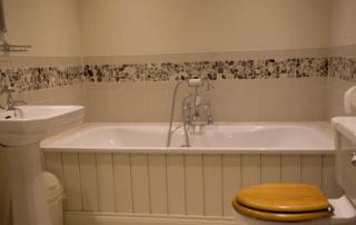 The Granary Aylworth Bathroom