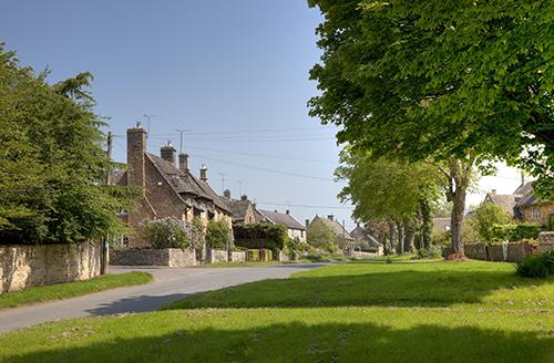 cotswold-village-rooms-kingham-village-view