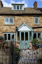 cotswold-village-rooms-cosy-corner-cottage-exterior