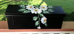 hand painted mailbox daisies