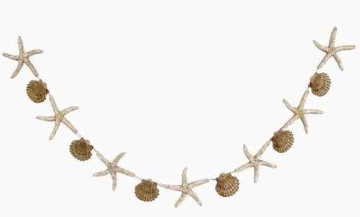 garland with starfish and seashells