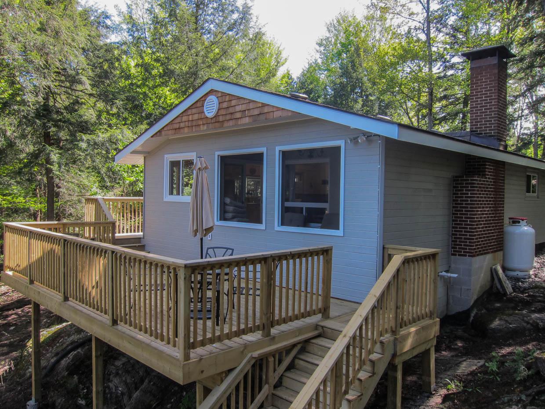 Muskoka cottage for sale Henshaw Lake  cottageinmuskokaca