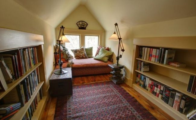 20 Cozy Home Libraries That Will Make Book Lovers Drool