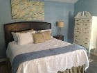 blue willow Honeymoon cottage br (140x105)