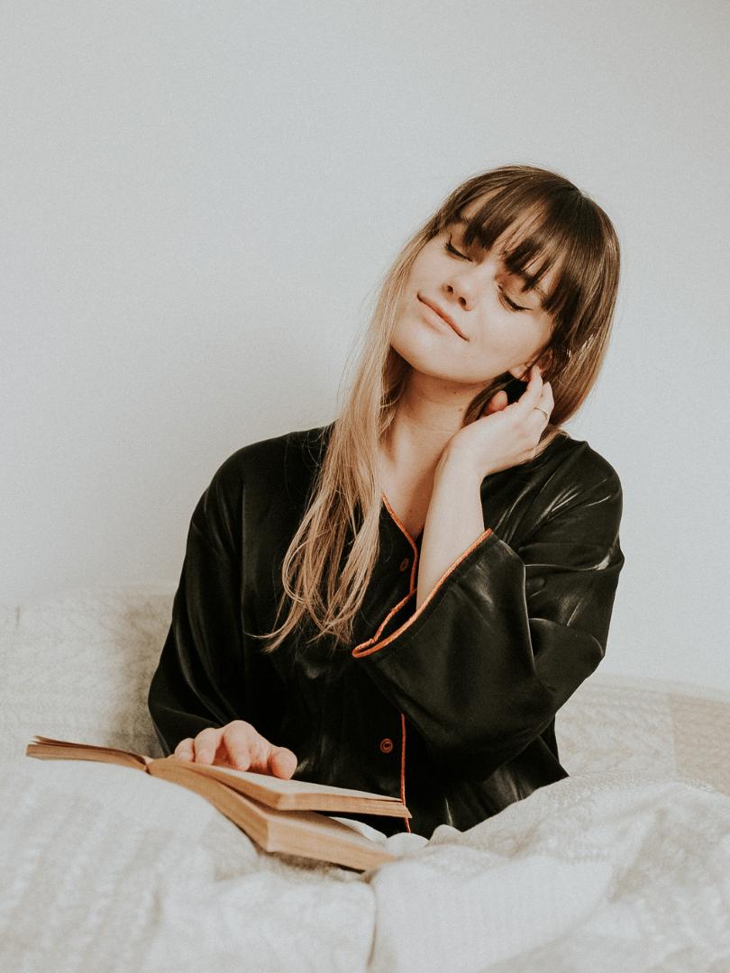 pijama neagra vaporoasa din vascoza