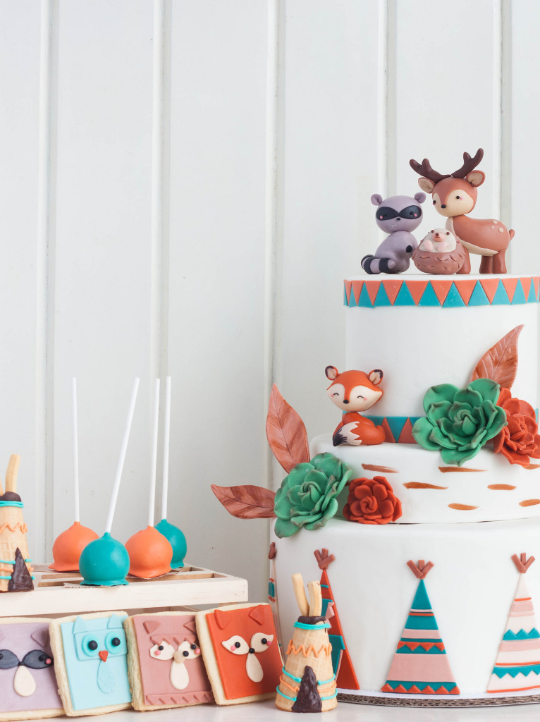 Woodland Party cake and dessert. woodland creatures and teepees