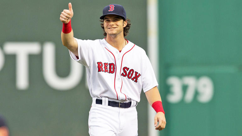 , Mookie Betts & Andrew Benintendi Both Make Insane Catches Tonight Because The Red Sox Have The Best Outfield In Baseball (VIDEOS)