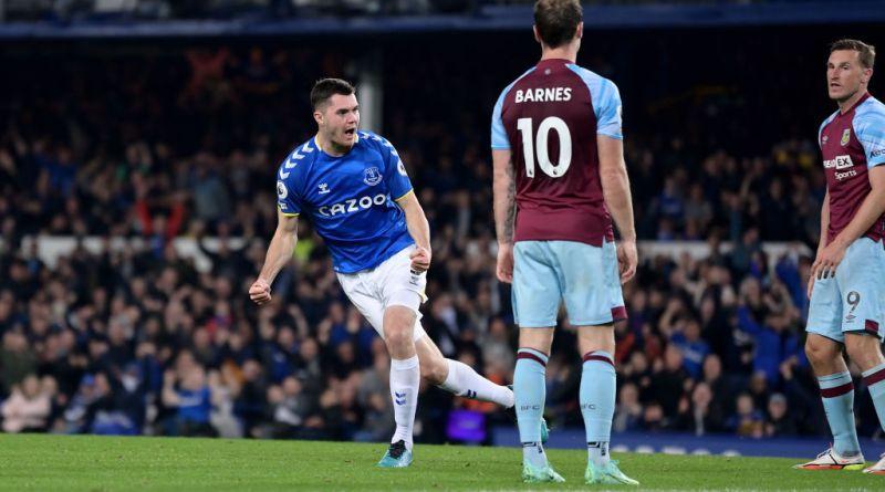 Michael Keane celebrates his equalizing goal for Everton against Burnley