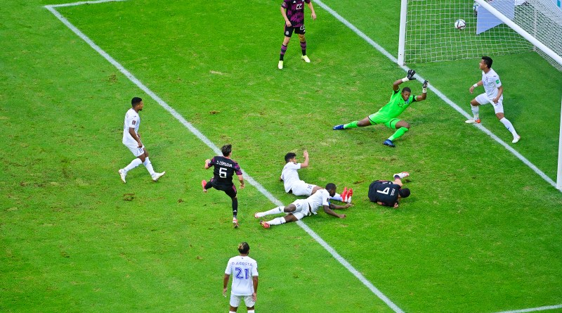 CONCACAF World Cup qualifying: Matchday 5 of the third round saw Sebastián Córdova scores Mexico's first goal against Honduras