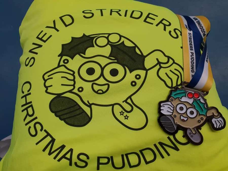 Sneyd 10 Mile T-shirt and Medal