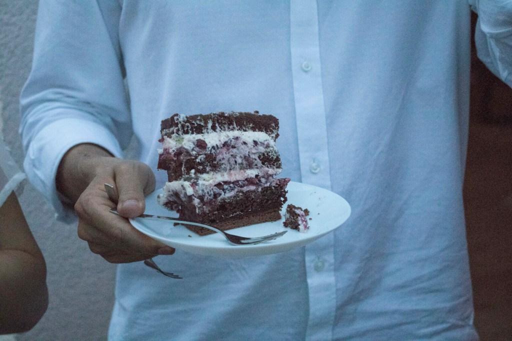 Black-Forest-Cake-german-Schwarzwälder-Kirschtorte-klein