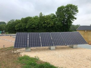 station panneaux photovoltaiques359004268107821711..jpg