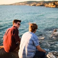 友人と海で