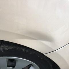 車がへこむ