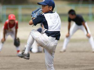 少年野球ピッチャー