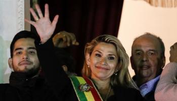 Un président autoproclamé, des soldats et la violence dominent la Bolivie, 6 citoyens ont déjà été abattus