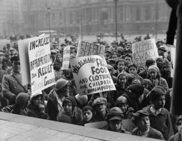 Commmunist Party-organized protest in Philadephia, 1930s. Source: http://explorepahistory.com/displayimage.php?imgId=1-2-1334