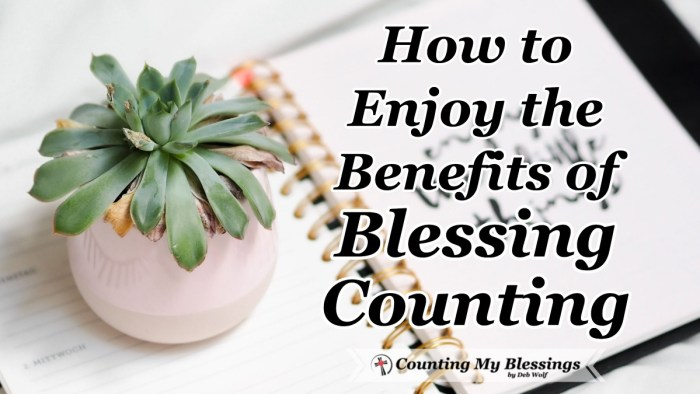 Intentional Blessing Counting is good for your health mentally, physically, emotionally, and spiritually. 20 questions on a printable guide to help you think of blessings to count. #Blessings #Hope #Thanksgiving #Gratitude #countingMyBlessings #WWGGG