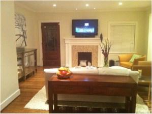 I love to buy Gladiolas for my family room in Nashville
