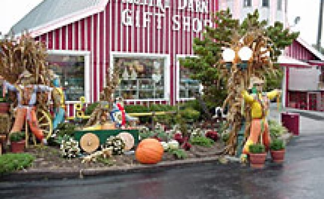 Country Barn Gift Shop Pigeon Forge Tennessee The