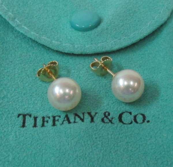 Tiffany & . Akoya Pearl 18kyg Stud Earrings - Country