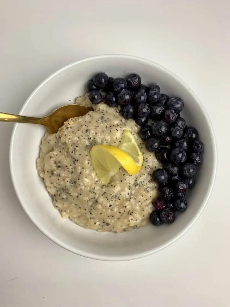 Blueberry Lemon Poppyseed Oatmeal (THM-E, Low Fat, Sugar Free)