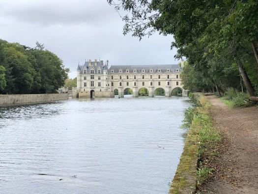 River Cher path to Chateau de Chenonceaux