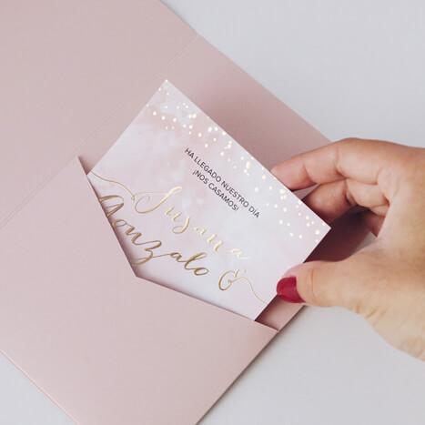 Invitación de boda dorada