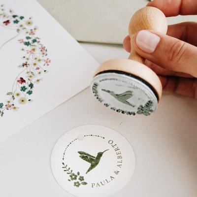 sello-personalizado-boda-colibri