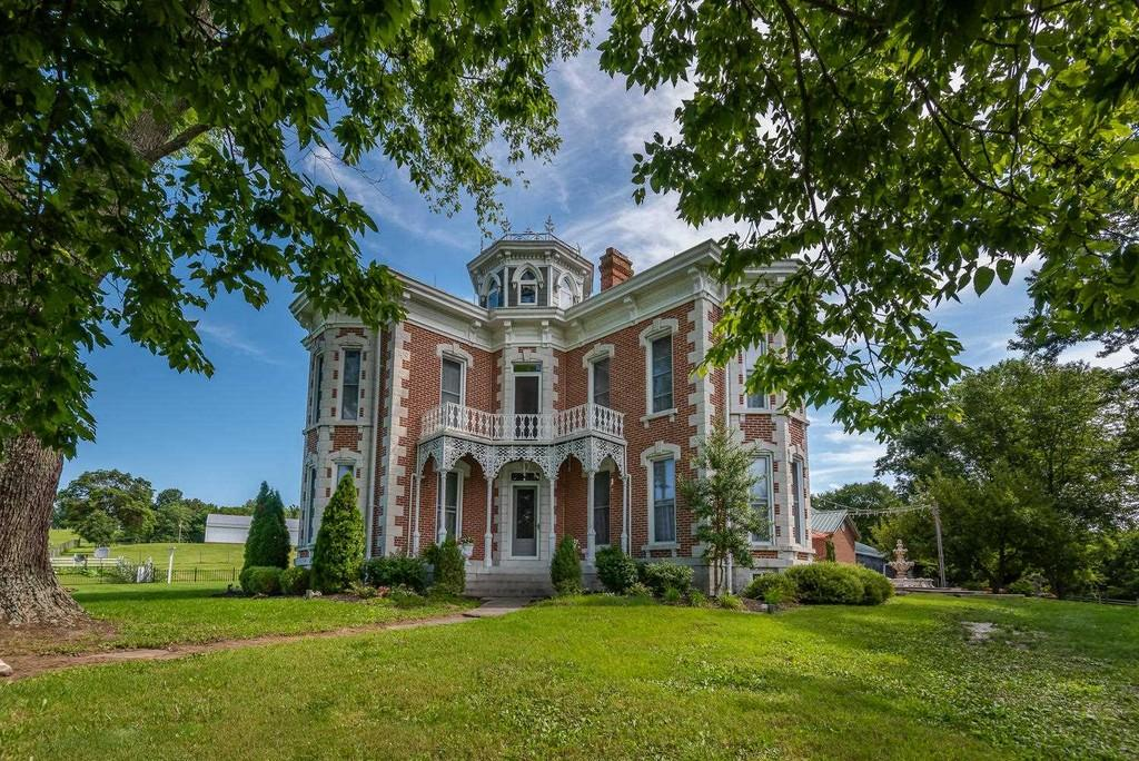 c.1879 Historic Brick Italianate Home Horse Farm For Sale on 100 Acres   Bedford IN   $599,000