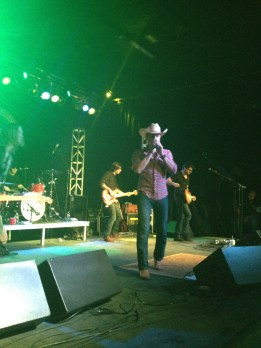 Dustin Lynch on Country Music News Blog