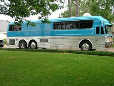 Loretta Lynn's Tour Bus on Country Music On Tour!